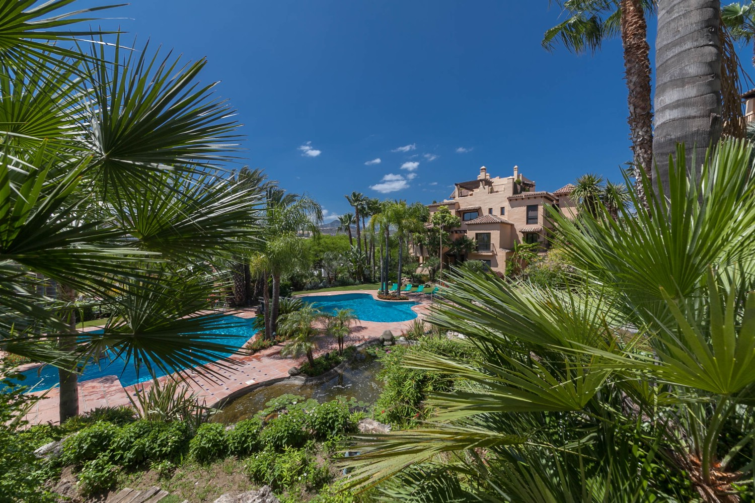 Bank repossession with 100% mortgage available on the New Golden Mile near Estepona and Marbella