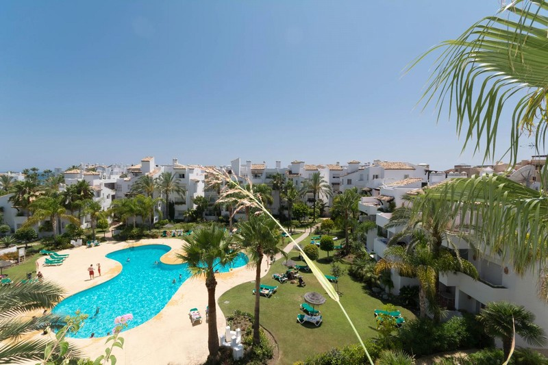 Top floor apartment just a short distance from the beach for 290,000 Euros