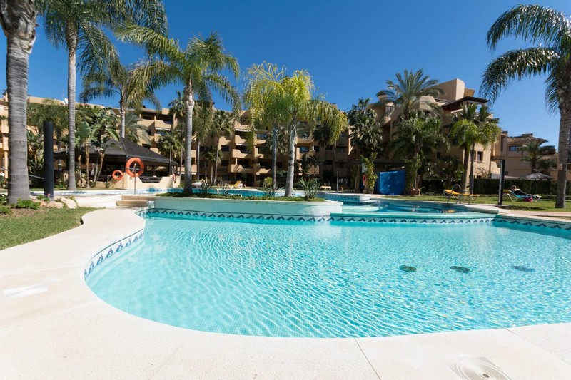 New Golden Mile Estepona - 3 bedroom bathroom apartment close to the beach at Costalita