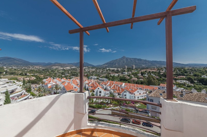 Fantastic views from this apartment in Señorio de Aloha