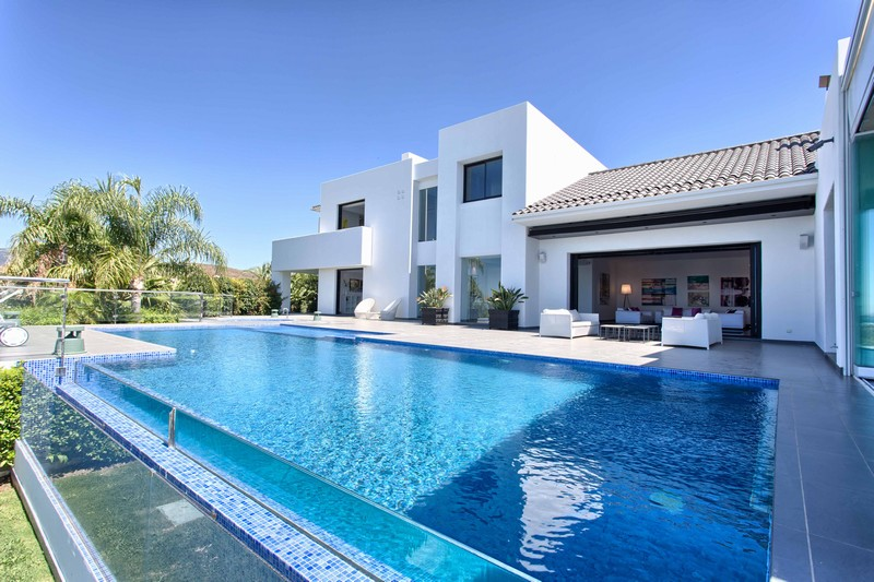 Contemporary Villa at Los Flamingos between Estepona and Marbella