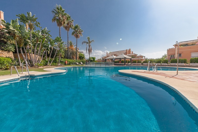 4 bedroom apartment in Nueva Andalucia, Marbella