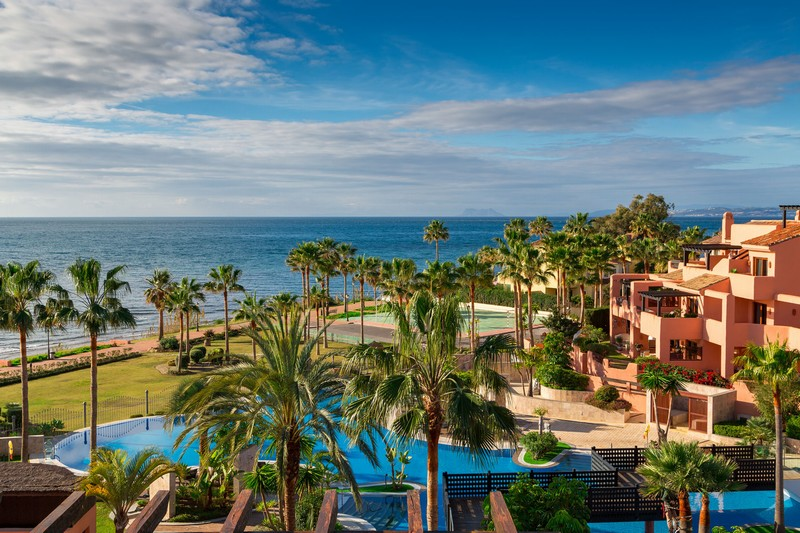 Front line Beach penthouse at Mar Azul between Marbella and Estepona