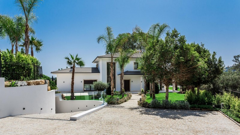 Brand new, Top quality fully furnished luxury villa in Marbella