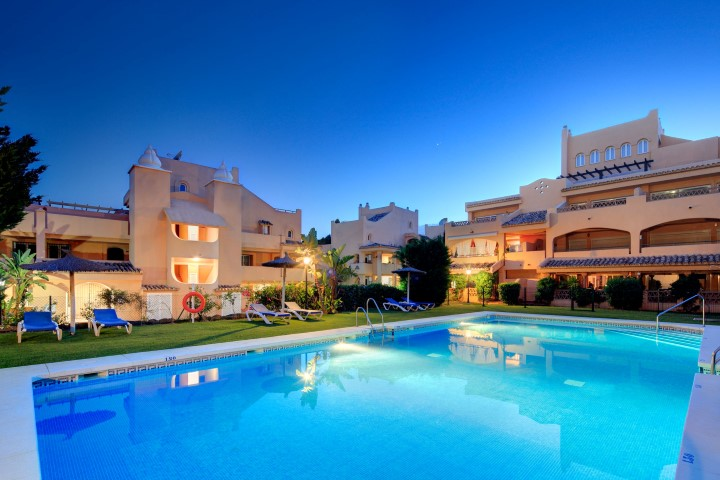 The retreat at Santa Maria Village - Modern 2 bedroom apartments for sale in Marbella