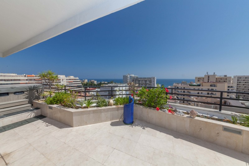 Luxury penthouse with sea views in the centre of Marbella Town