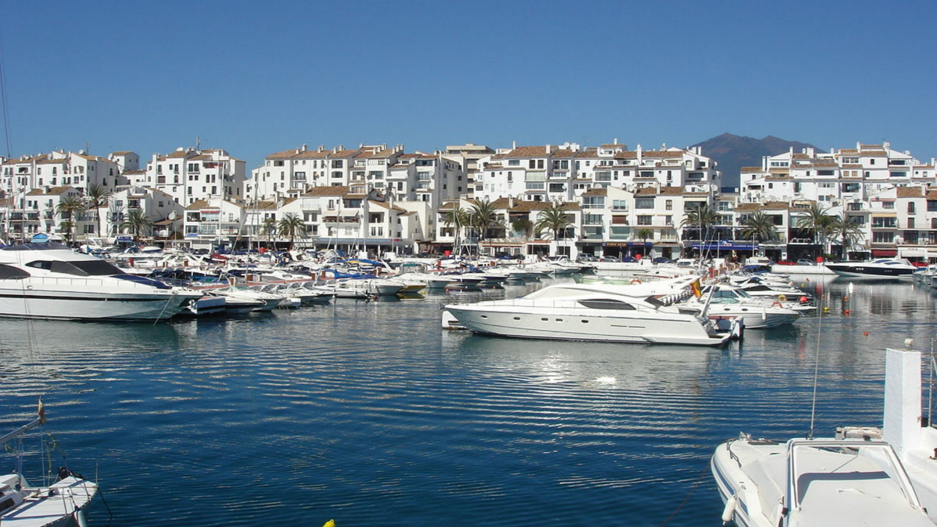 2 bedroom apartment with sea views for sale on the second line of Puerto Banus