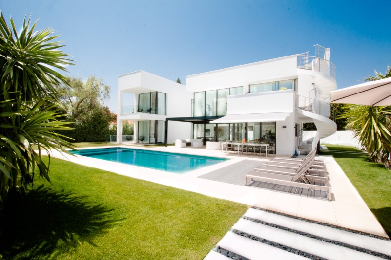 Puerto Banus Beachside villa for sale
