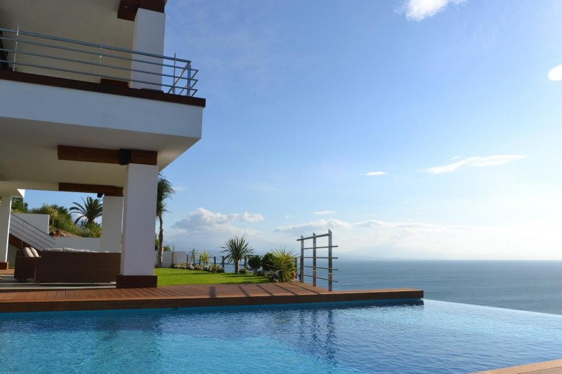 Villa for sale close to Sotogrande with panoramic sea views