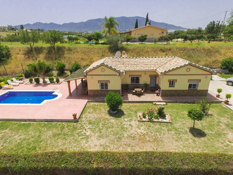 Country villa 30 minutes from Marbella