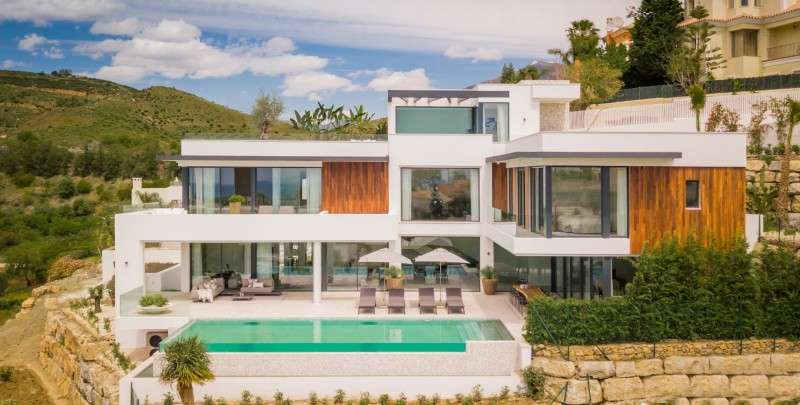 Contemporary style new build luxury villa for sale at La Alqueria overlooking Atalaya Golf