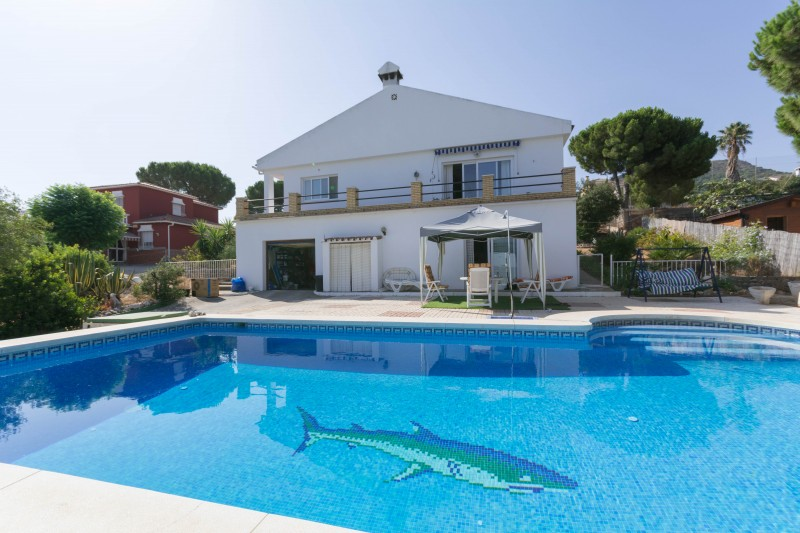 Villa for sale at Los Pinos, Alhaurin De La Torre