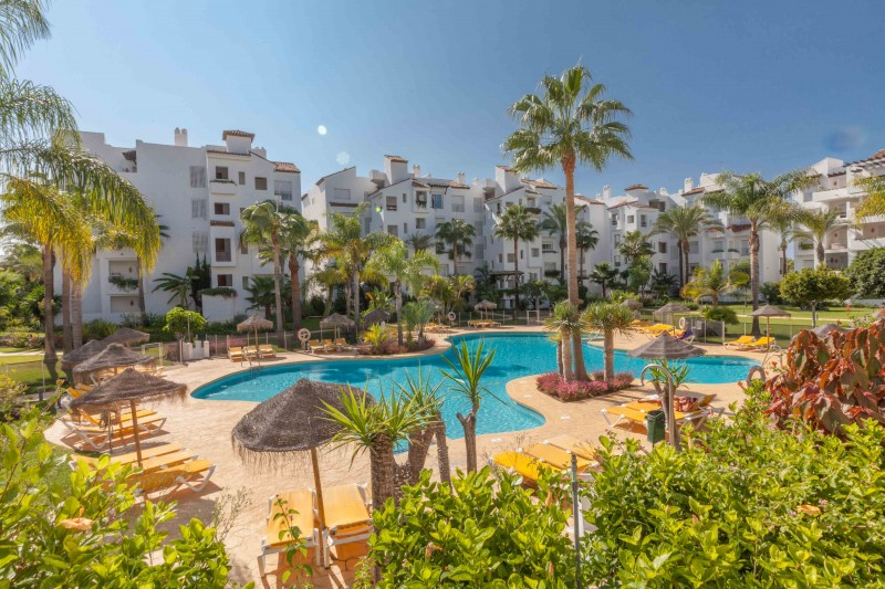 2 bedroom apartment close to the beach between Marbella and Estepona