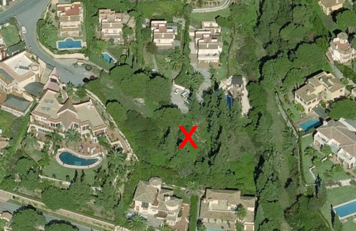 Bargain / Investment - Plot for sale at Calahonda close to Marbella