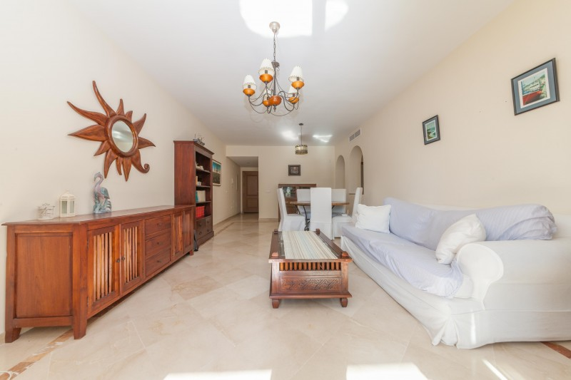 beachside apartment for sale between Marbella and Estepona